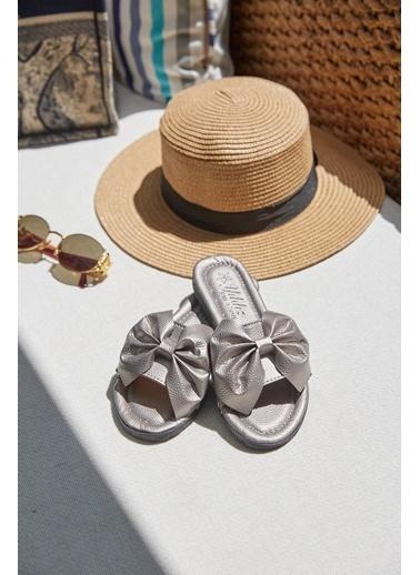 Arma Shoes Kadın Kurdelalı Ev Terliği Gümüş